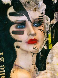 A shy beauty - Gabi Hampe
