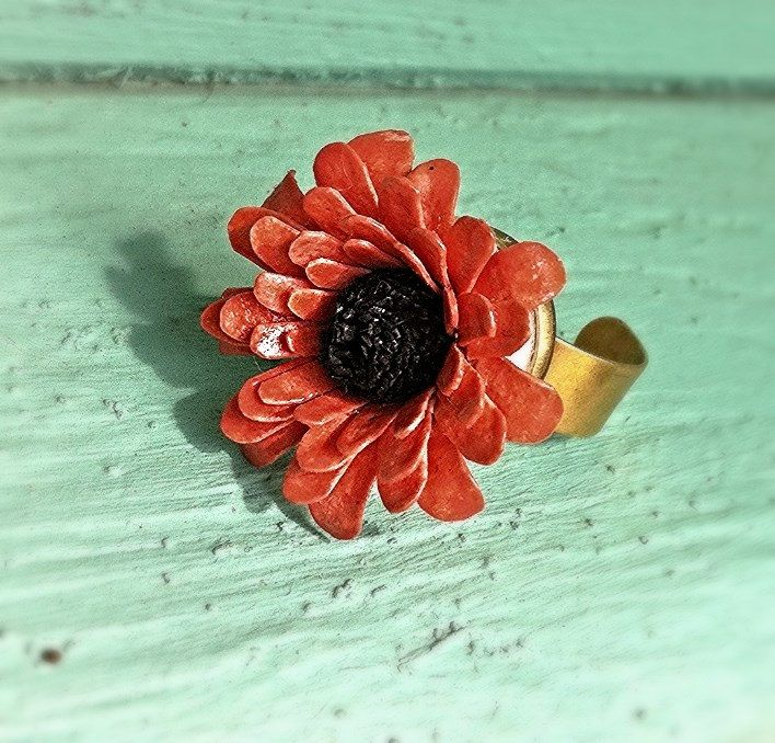 Salmon Flower Ring - Kultof8