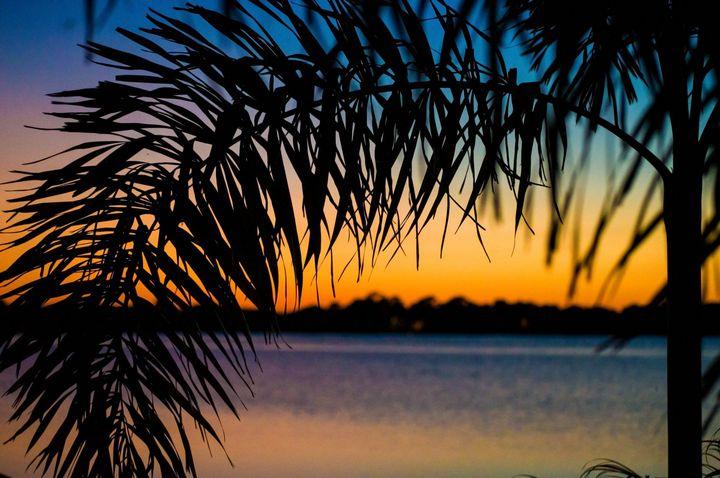 Paradise Sunset - Treasure Hustlers