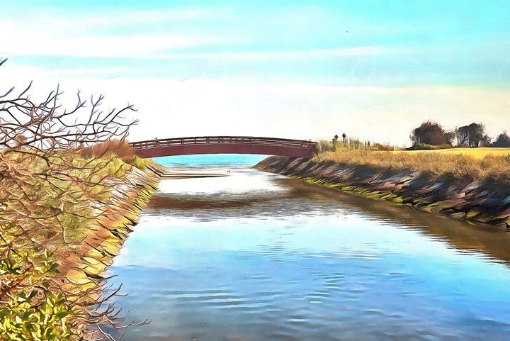 Walkway across a canal - Chandra