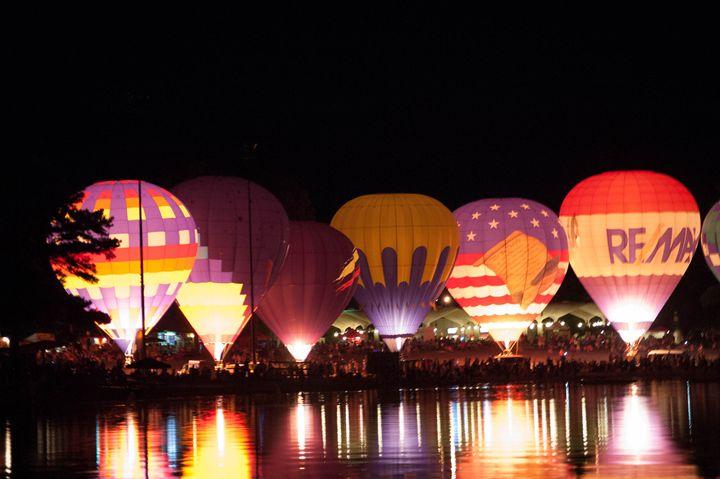 Balloon Reflections - Light & Reason Photos