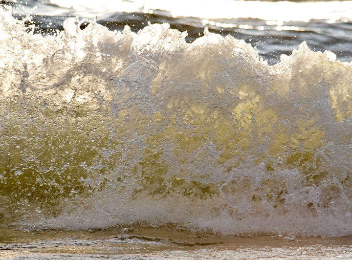 Crashing Waves - Thebert Photography
