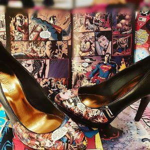 Art on heels-vintage/Super Girl