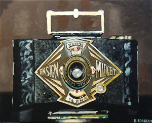 ACRYLIC HAND PAINTED ANTIQUE CAMERA