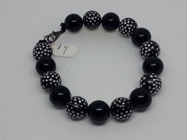 Black bracelet - Jennifer Lopez