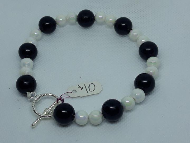 Black and white bracelet - Jennifer Lopez