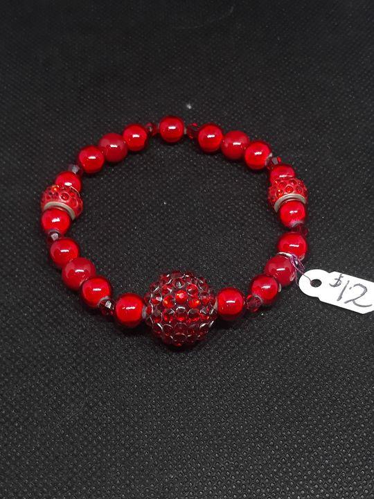 Red Bracelet - Jennifer Lopez