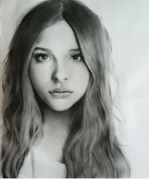 Portrait,graphite,painting,chloemore -  Nickicha3