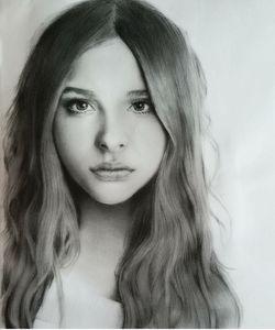 Portrait,graphite,painting,chloemore