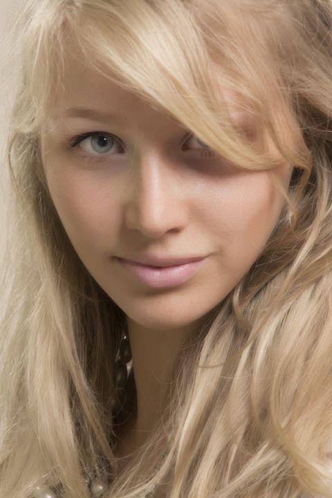 Blonde Female - Amazing Photography