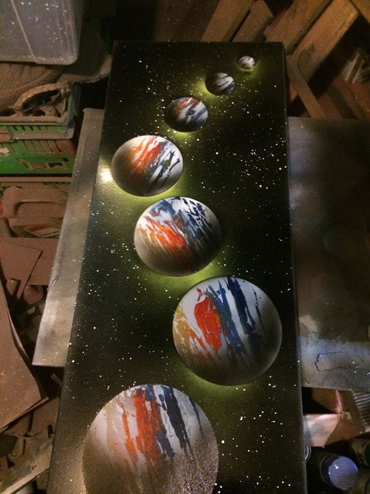 Cloned earth - Grasshopper spraypaint art