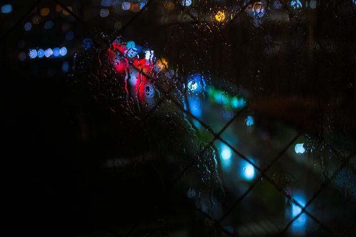 A rainy night - World Stories