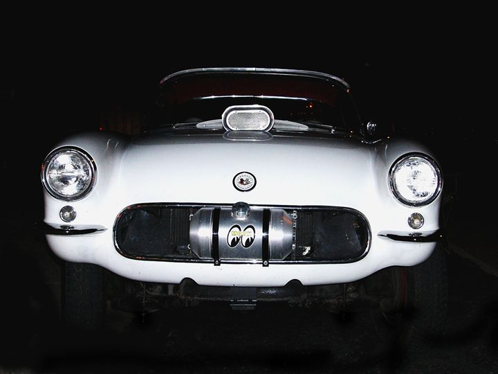 Moon Eye Corvette - Larry West Art