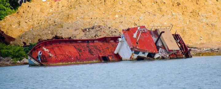 Red Sunken Ship - Aspen Ridge Gallery