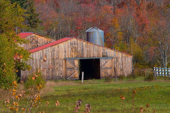 New Hampshire Red Roof Barn - Aspen Ridge Gallery