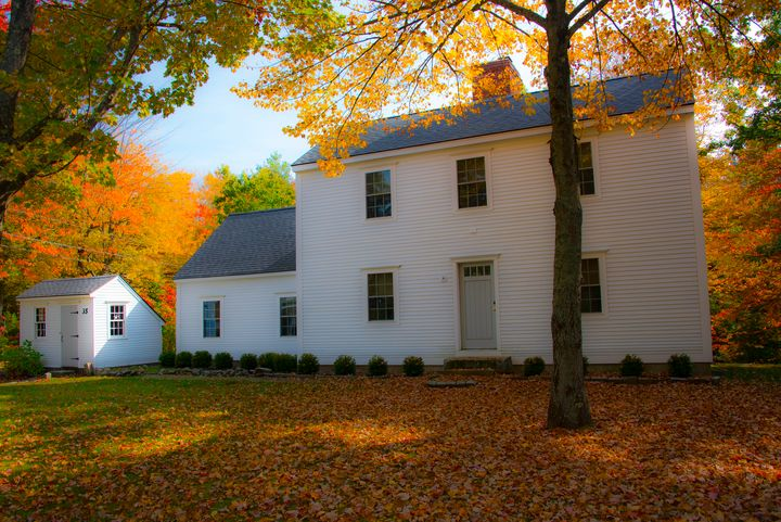 White Colonial Home in Maine - Aspen Ridge Gallery