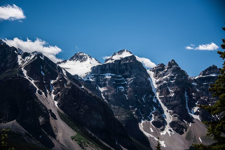 Mountains at Morriane Lake, Cannada - Aspen Ridge Gallery