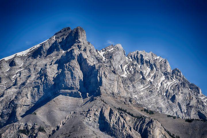 Tunnel Mountain Baniff Canada - Aspen Ridge Gallery