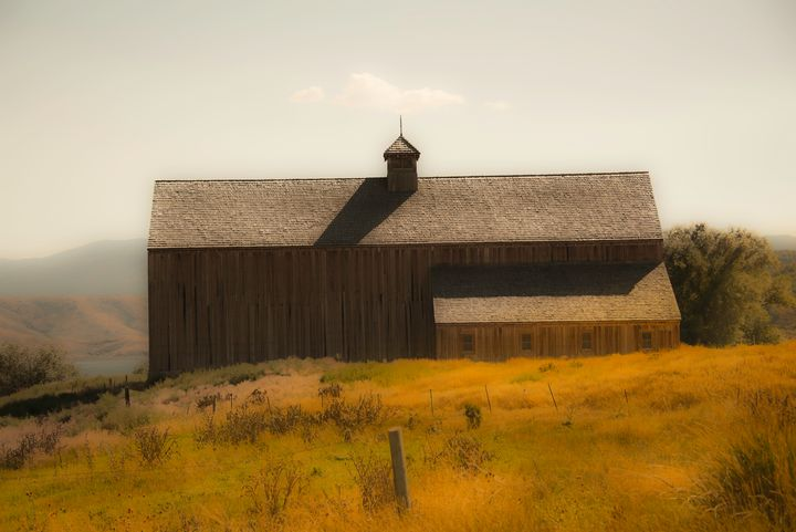 Tate Barn in Autumn - Aspen Ridge Gallery