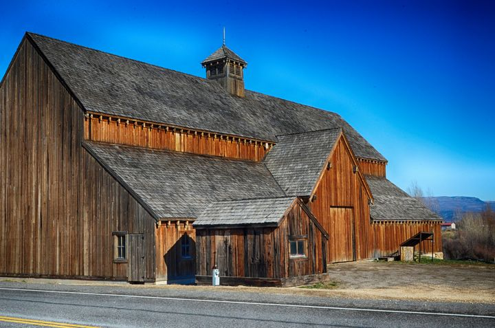 Tate Historic Barn 2 - Aspen Ridge Gallery