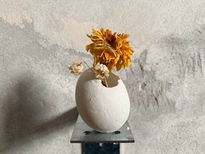 egg-vase - Tets Ohnari