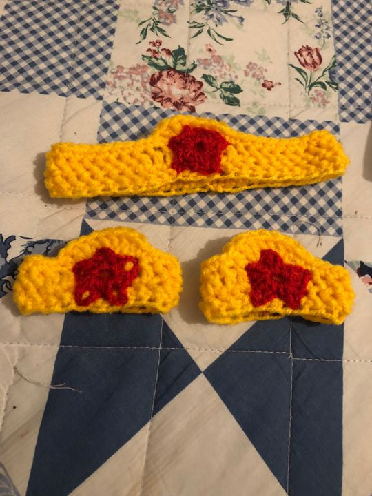 Crochet wonders women - Fine Art and Crochet