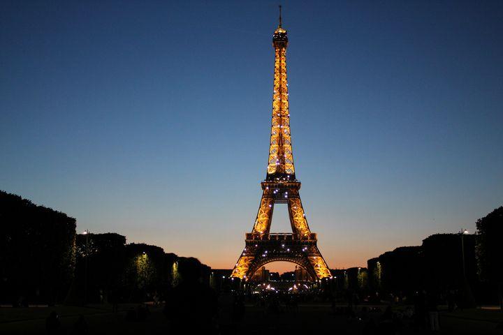 Night time in Paris - Lauren Hidalgo
