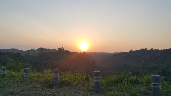 Sunset by the peek - Hector Hernandez