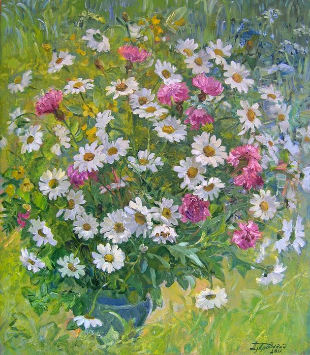 Bouquet of Daisies in the garden - Aleksandr Dubrovskyy