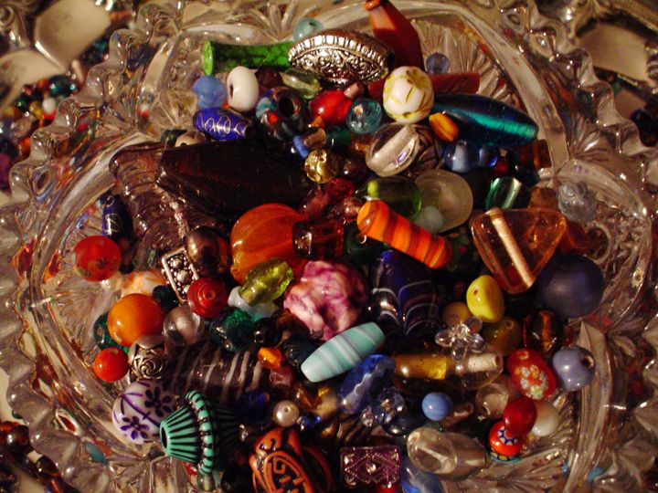 BEADS IN CRYSTAL BOWL - Cathy Dettlinger