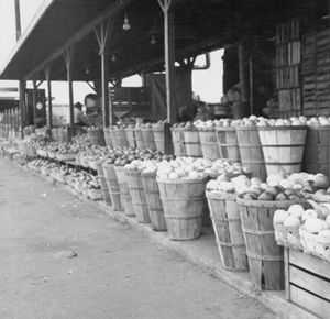 Curb Market in 1957