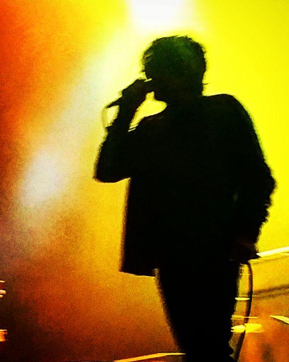 I sing a song - APONI LUNA