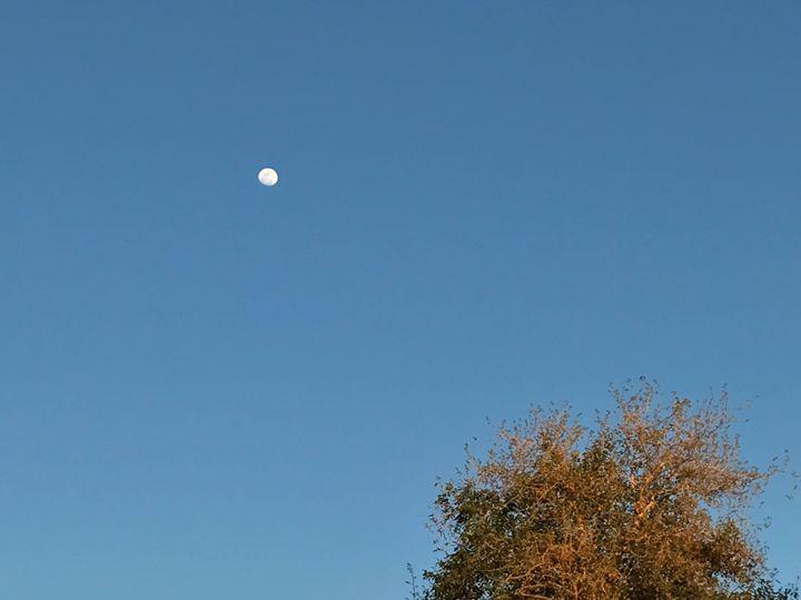 Moon - Cruéon Durant