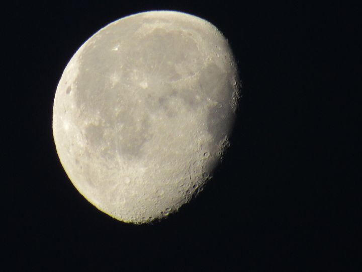 3/4 Moon - Annise Cibrian Photography