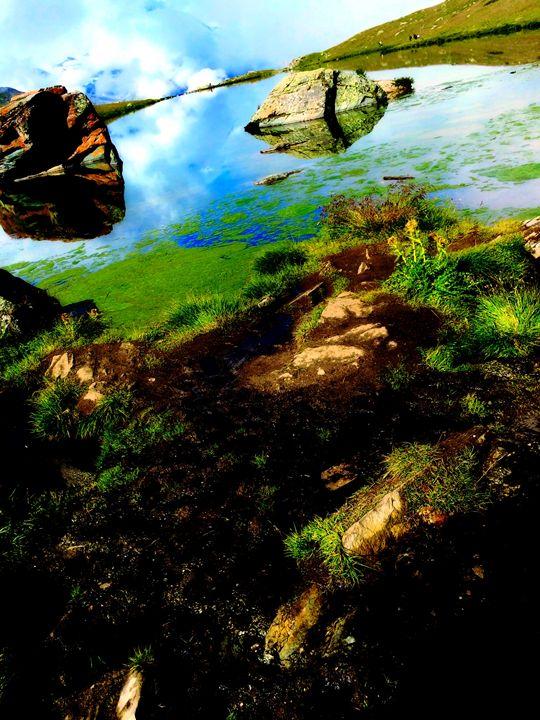 Lake Meets Sky - Luci28