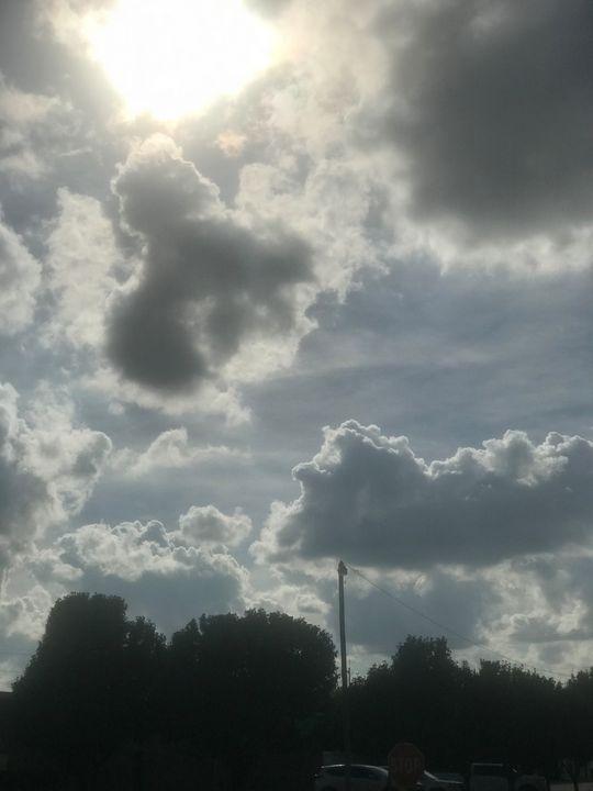 A sun day - Akilah Smith