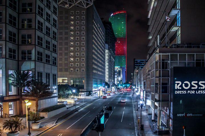 Miami Christmas Tree - Suicidal.shotz