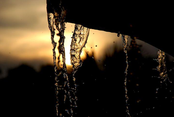 Liquid Light - Claud B