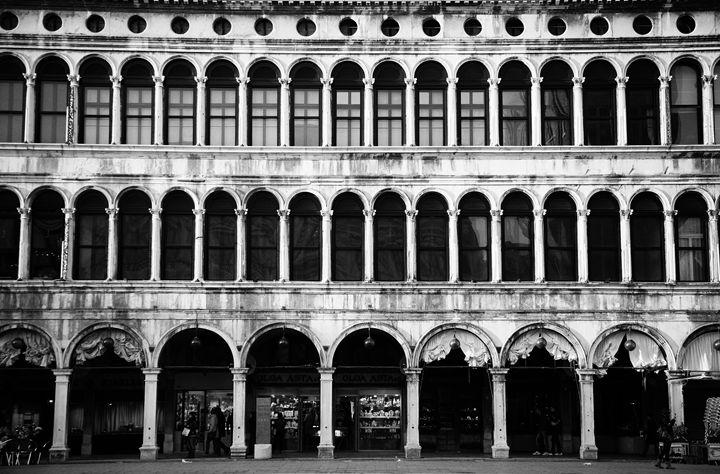 Piazza San Marco - Ester Sharon