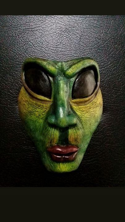 Alien mascara de cerámica - Mundograffo