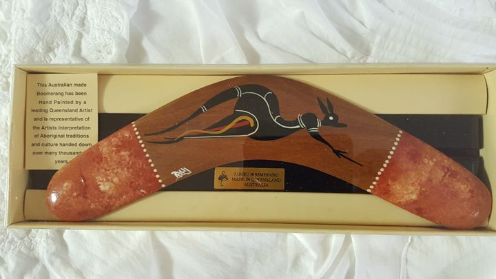 Gift boxed boomerang - Kiss the Kangaroo