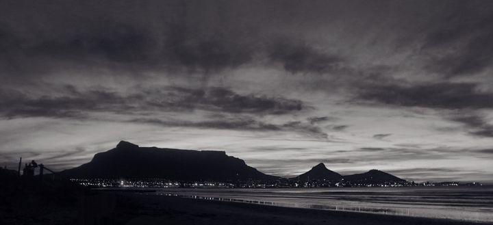 Table Mountain @ Sundown - Omni Photo Art