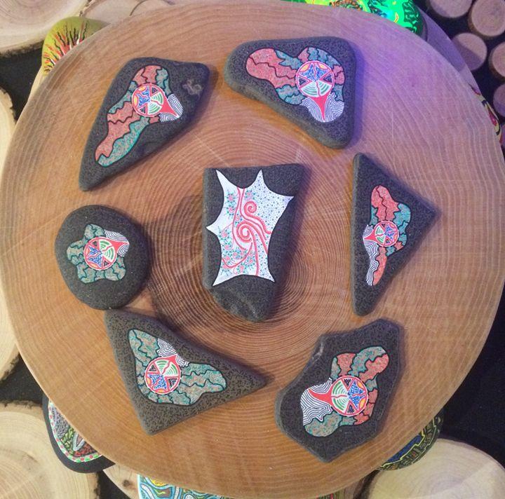 7 Painted stones, Xavier Gaillot - Xavier Gaillot Art