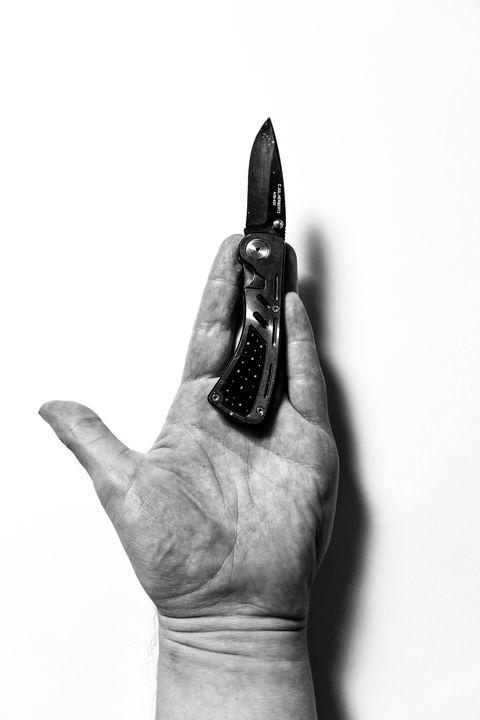 NIA.hand.and.knive - NIA