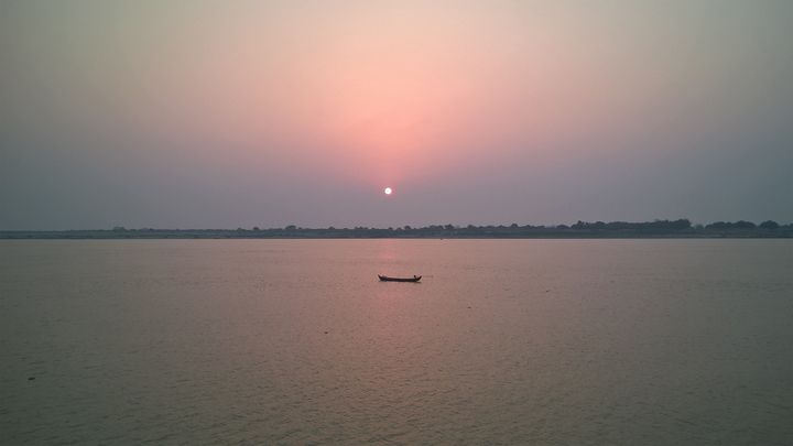 Sunrise at Irrawaddy River - Photogallery