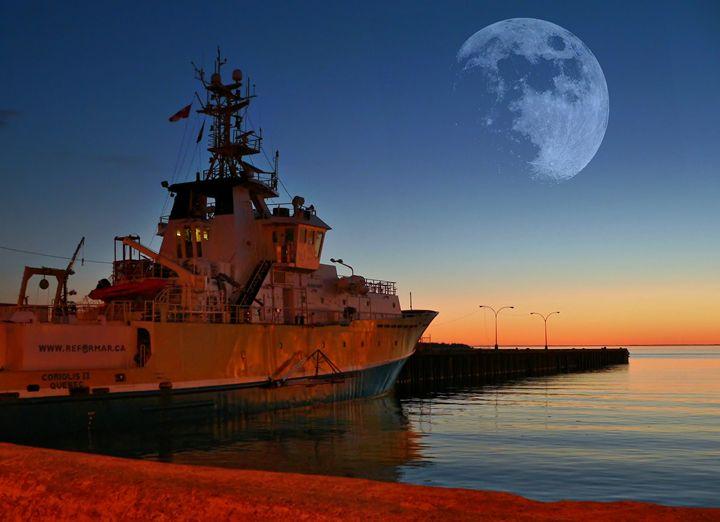 Ship moonlight - imaginart