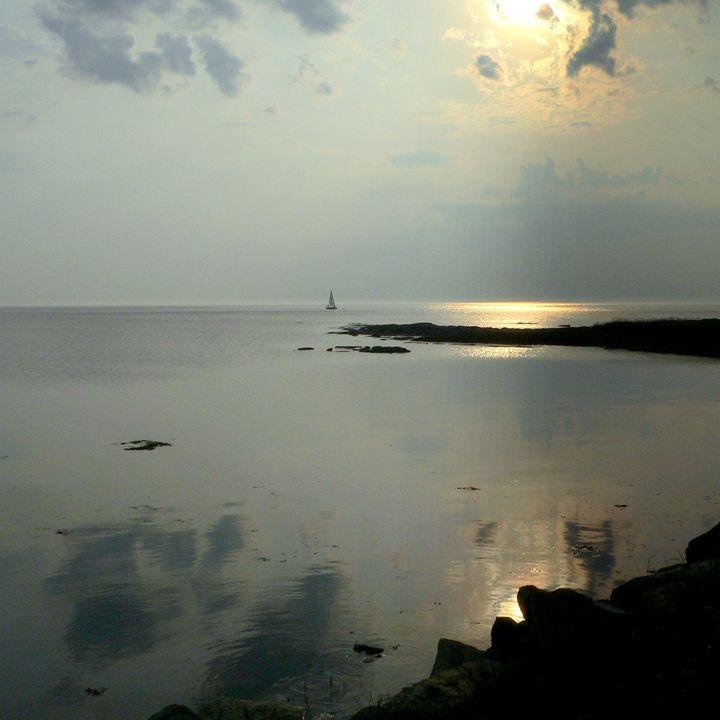 Between sky and sea - imaginart