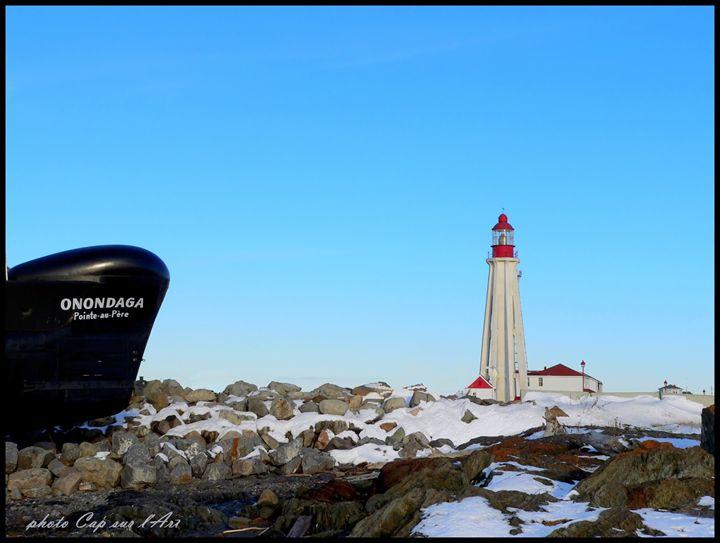 Submarine and lighthouse - imaginart