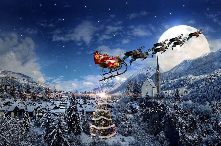 Christmas night and Santa Claus - imaginart
