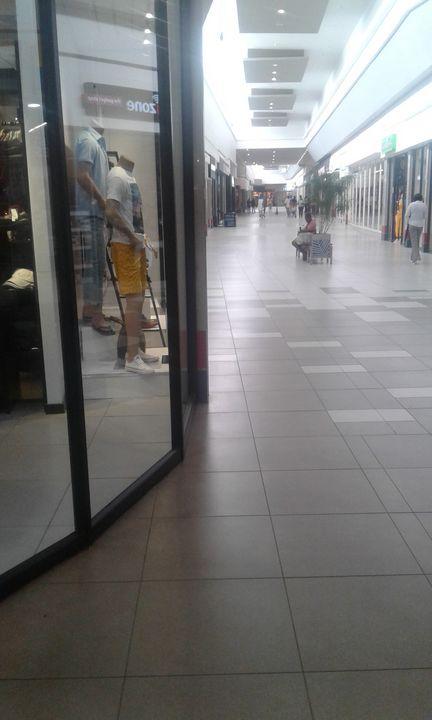 Emoyeni Mall - Vuyo  Makaula Art